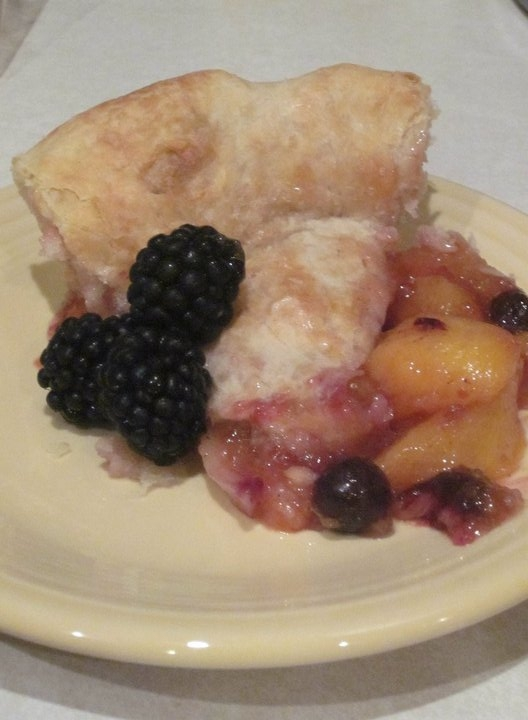 Georgia blueberry peach pie with fresh blackberries 2
